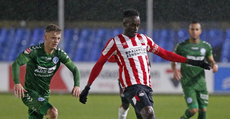 De Graafschap wint spektakelstuk van Jong PSV, duur puntenverlies Volendam