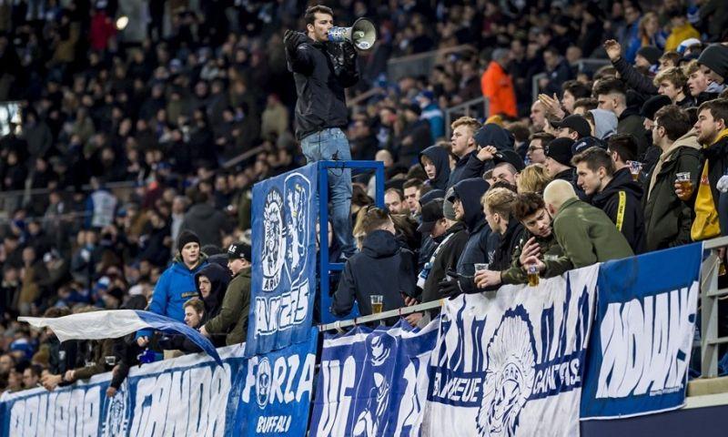Afbeelding: Dakdeel van AA Gent-stadion weggewaaid: 'Gelukkig niemand op die parkeerplaats'