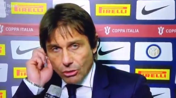 Dapper, maar pijnlijk: Conte is stem kwijt en probeert tóch interview te geven