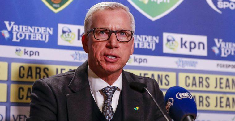 Puzzelende Pardew: 'Net zo lang totdat er een winnend elftal staat'