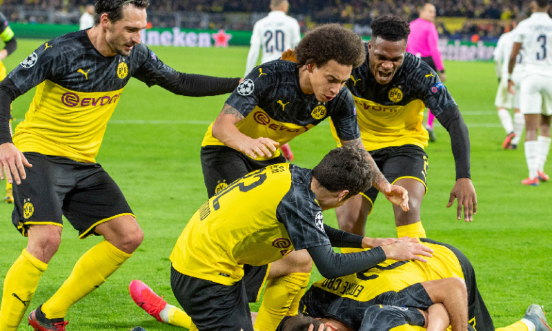 Afbeelding: Unieke situatie: Borussia Dortmund in zee met twee shirtsponsoren