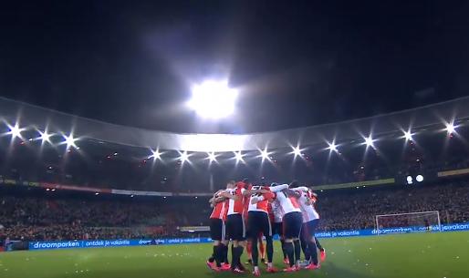 Emoties in De Kuip: schitterend eerbetoon aan Feyenoord-icoon De Leeuw