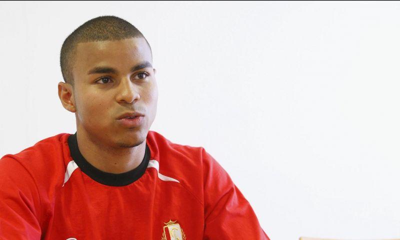 Afbeelding: Eén Belgische voetballer speelt gewoon door: