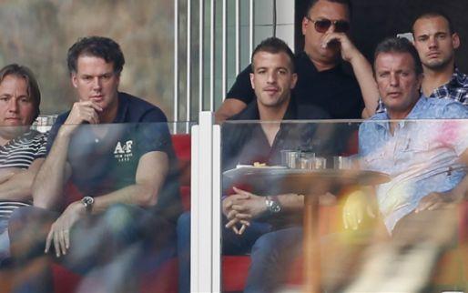 'Ajax hoeft niet te verkopen, maar clubs als PSV en AZ inmiddels misschien wel'