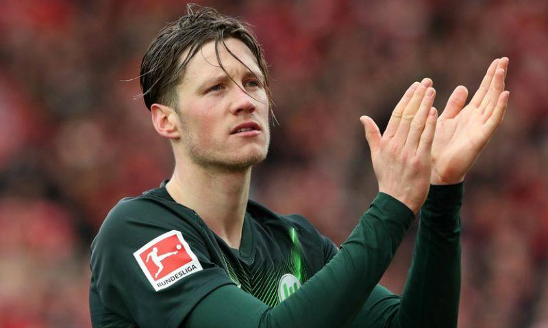 Afbeelding: Weghorst niet bij hervatte training: 'Ik zei: sorry, ik ga naar mijn familie'