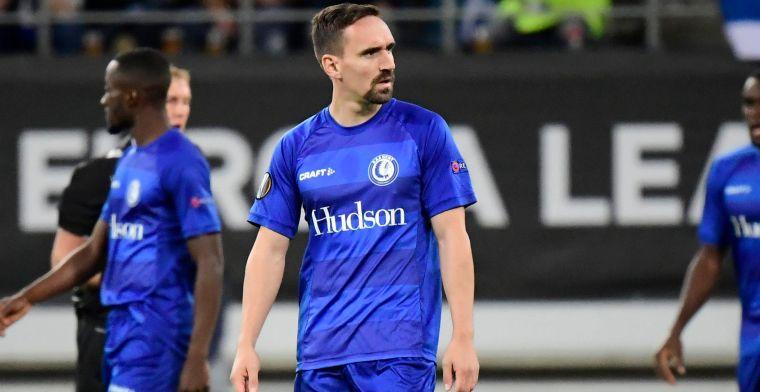 Gent neemt uitdaging van AZ met plezier aan en speelt bal door naar Kortrijk