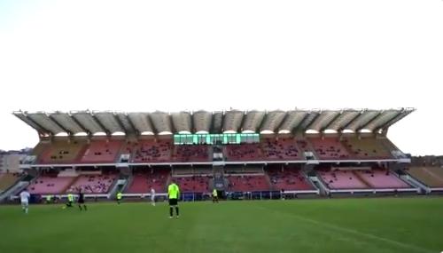Zien om te geloven: Dinamo Brest vult stadion met paspoppen en foto's van fans