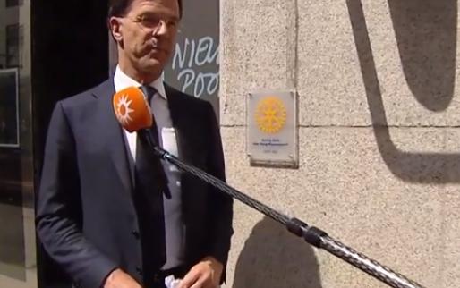 Rutte grapt over tolkenwissel: 'Groter dan wissel Robben/Bosvelt'