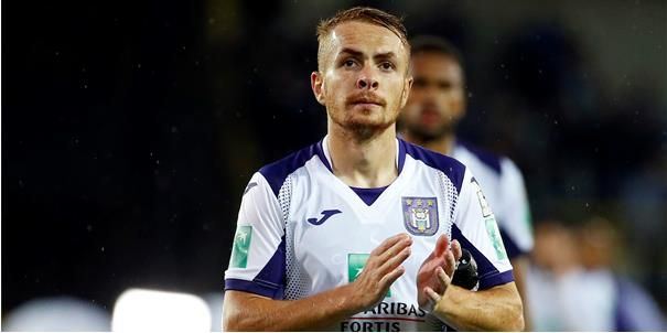 UPDATE: 'Niet iedereen bij Anderlecht wil Trebel gratis zien vertrekken'