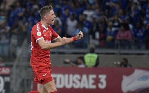 'Ajax sluit zich aan in rij geïnteresseerde topclubs voor Bruno Fuchs'