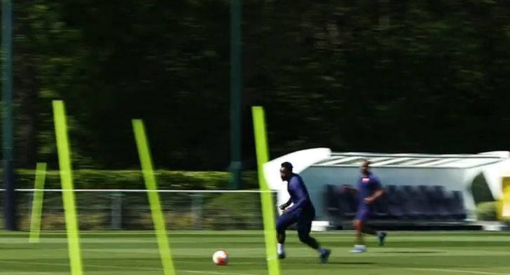 Bergwijn 'fit and firing' voor Tottenham Hotspur: lekker goaltje tijdens training