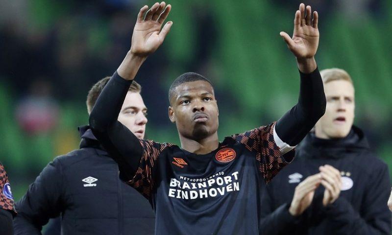 Afbeelding: 'Veel bijval' voor Dumfries bij PSV: 'Hij wilde nu opstaan om zijn punt te maken'