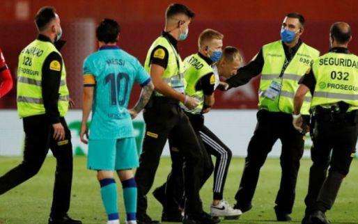 Afbeelding: Emotionele moeder van Barça-veldbestormer: