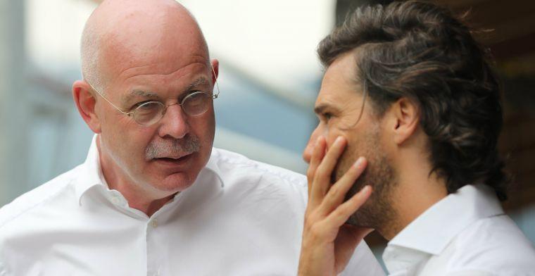 PSV deelt profcontract uit aan 'echte PSV'er: Een heel mooi moment