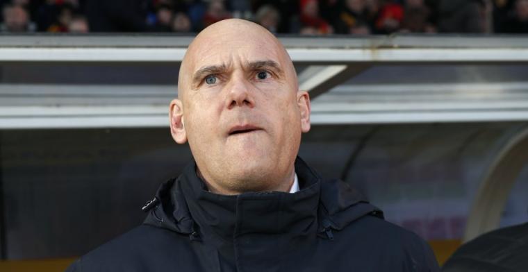 'Van Wijk claimt premie van 20.000 euro, ondanks ontslag na zeven wedstrijden'