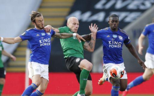 Afbeelding: Leicester morst opnieuw: Schmeichel keert strafschop van Maupay