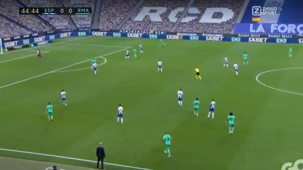 Real-mastodonten staan op: lange bal Marcelo, doorkoppen Ramos, hakassist Benzema