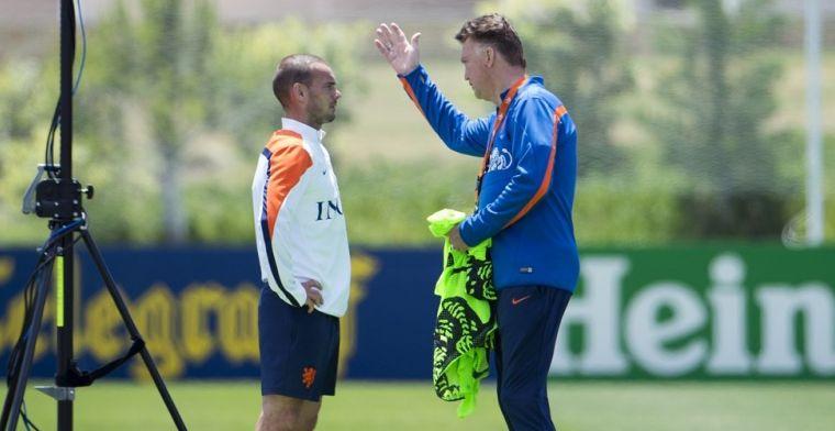 Van Gaal neemt afstand van Oranje-anekdote Sneijder: 'Ik vind het heel vervelend'