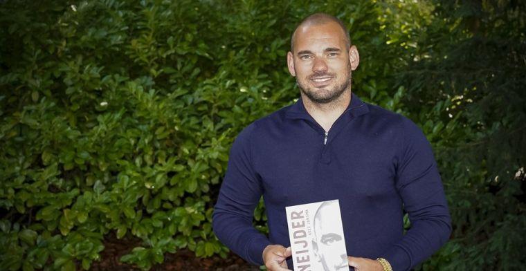 Biografie Sneijder massaal illegaal verspreid: 'Tot onze grote spijt gemerkt'