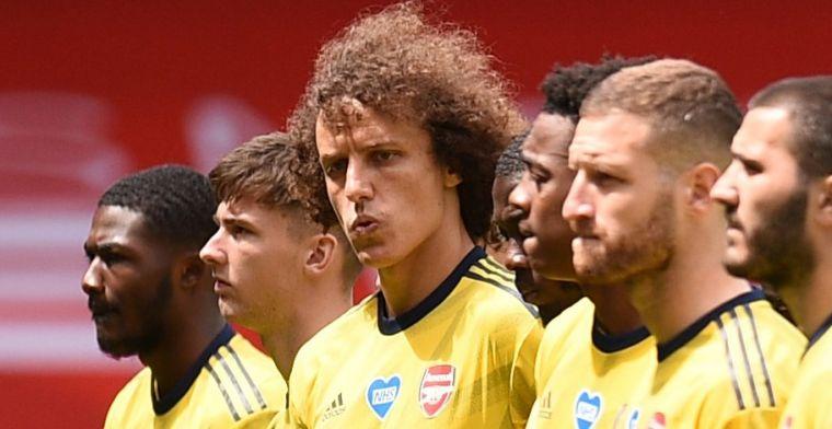 Van Persie kritisch op 'kwetsbare' David Luiz: 'Ik zou hem proberen te pesten'