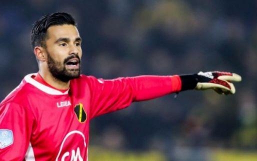 Afbeelding: Witte rook boven Het Kasteel: doelman Van Leer komt over van Ajax