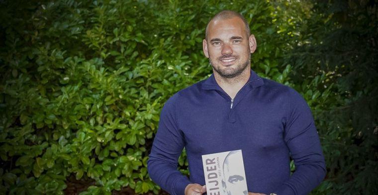 Sneijder vreest faillissement: Jongens, laat lekker hangen die dingen!