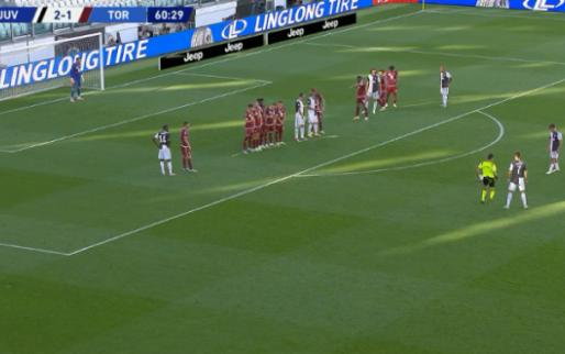Ronaldo maakt 25e goal uit vrije trap, z'n eerste in de Serie A