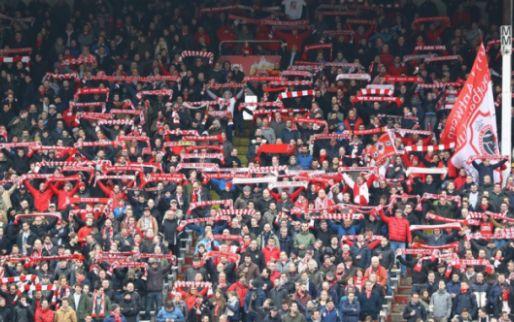 Harde kern van Antwerp dringt stadion binnen, afscheid van 'Tribune 2'