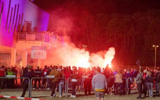 Afbeelding: Heidenheim-fans voelen zich geprovoceerd en vallen spelersbus Werder Bremen aan
