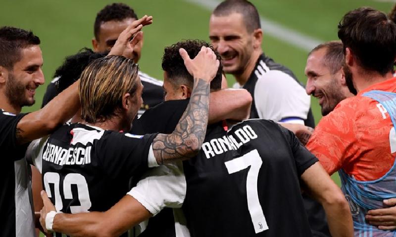 Afbeelding: AC Milan geeft lamgeslagen Juventus in zes minuten tijd flink pak slaag