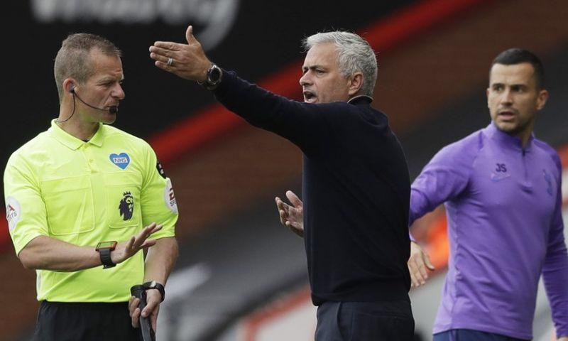 Afbeelding: Mourinho baalt flink van VAR: 'Iedereen zag dat dit een penalty was, iedereen'
