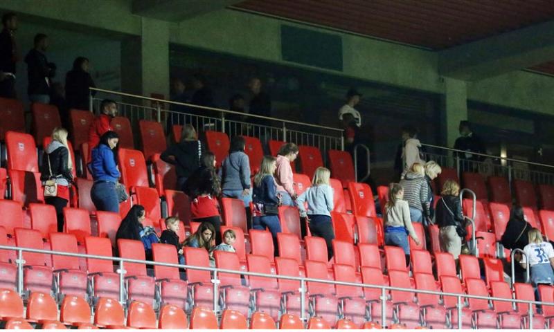 Afbeelding: FC Heidenheim breekt coronaregels en krijgt na mislopen promotie ook nog een straf