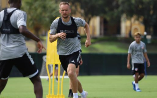 De Jong genoot van Ajax-comeback: 'Dat zorgde ervoor dat veel spelers bleven'