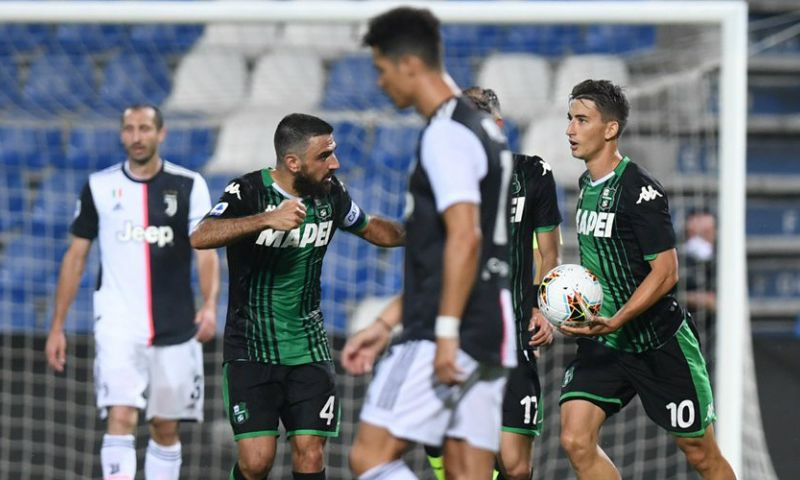 Afbeelding: Juventus is 't plots volledig kwijt, geeft 0-2 voorsprong weg en ontsnapt met punt