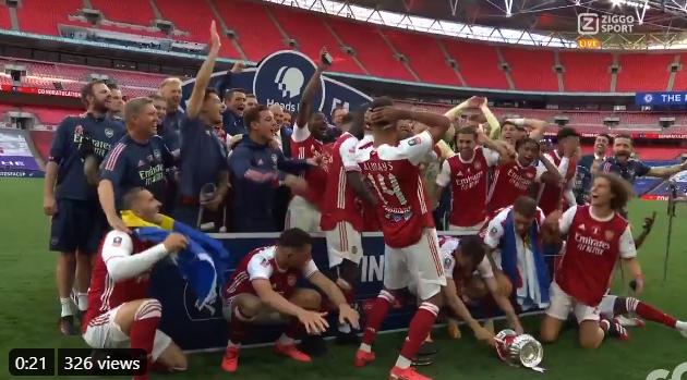 Arsenal-spelers maken er een potje van en slopen de FA Cup