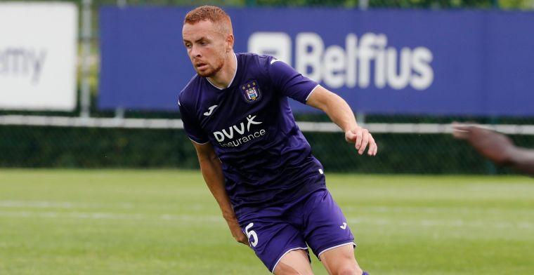 Anderlecht vloert RWDM in Brussels duel met dank aan pareltje van Trebel
