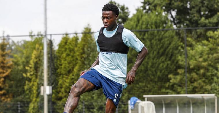 'Vrij verlegen' Antony maakt indruk bij Ajax: 'M'n eerste indrukken zijn goed'