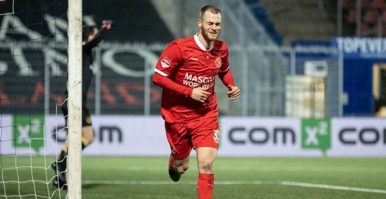 'Mensen vragen zich af waarom je bij Ajax speelt en later bij Almere op bank zit'