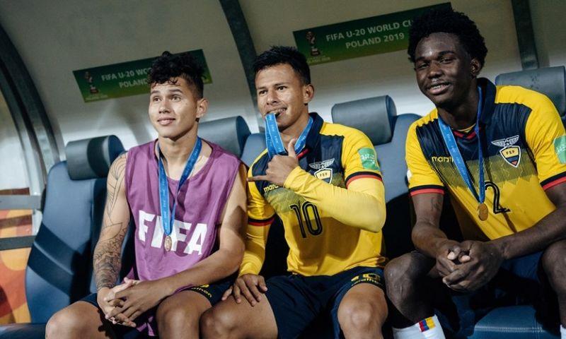 Afbeelding: 'Ajax meldt zich in Brazilië voor transfervrije stopper en heeft last van Getafe'