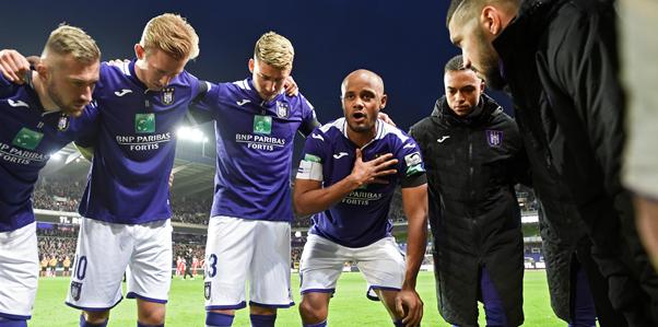 'Anderlecht nog niet klaar: na Bundu en Tau nog een aanvaller op komst'