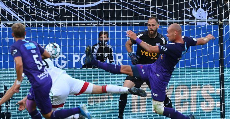 'KV Oostende geeft ex-doelman warme ontvangst in leeg stadion'