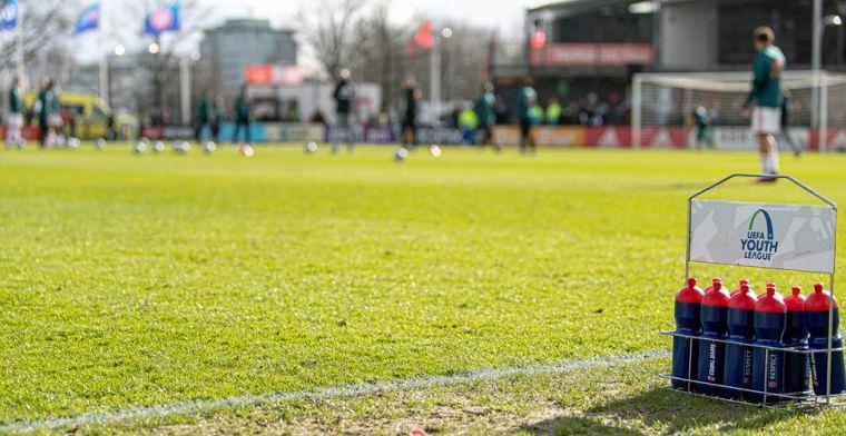 Ajax-keeper Van den Heuvel (17) neemt afscheid: 'Eens Ajacied, altijd Ajacied'