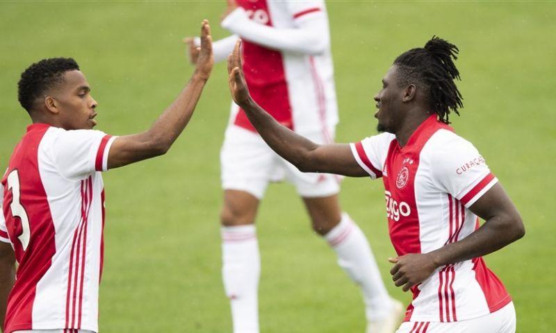 Afbeelding: Ajax zet Holstein Kiel makkelijk aan de kant en scoort vijf keer