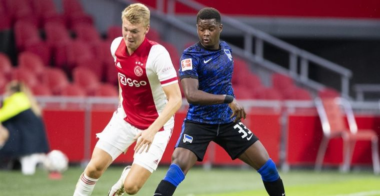 Schuurs imponeert bij Ajax: 'Volgens mij creëer ik ook vertrouwen met mijn spel'