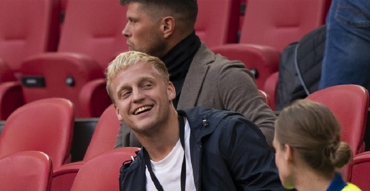 'Zeer ongebruikelijk: Ajax en Man United onderhandelden niet over Van de Beek'