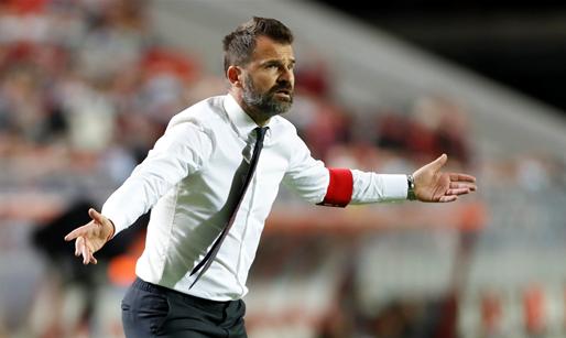 Antwerp-fans scanderen naam van Bölöni, Leko: