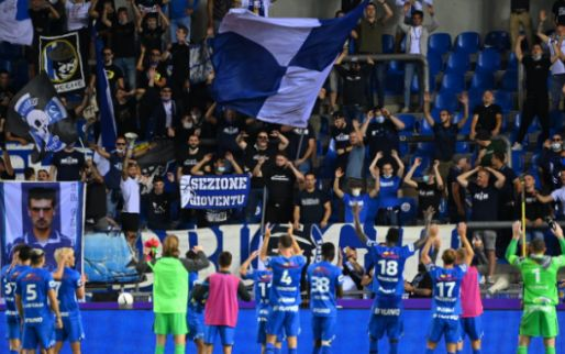 'Minister Weyts hekelt gedrag KRC Genk-fans en vermindert stadioncapaciteit'