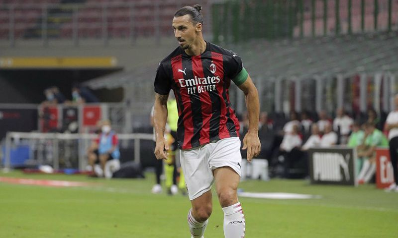Afbeelding: Ibrahimovic schiet Milan eigenhandig langs Bologna, Saelemaekers valt in