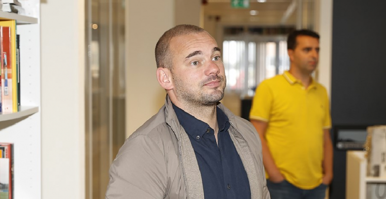 Sneijder reageert woedend op racismerel: 'Ik reken op sancties van de KNVB'