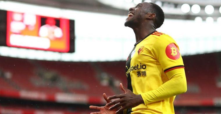 Ex-spits van United en Arsenal mislukt ook bij Watford en kan transfervrij weg